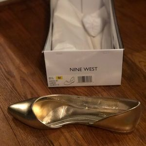 Nine West Women's Gold Flats- size 8.5 brand new